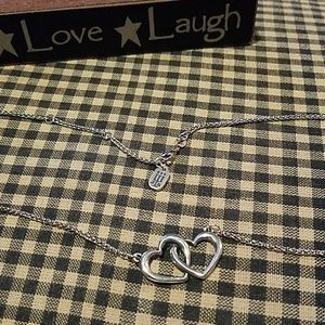 *MAKE OFFER* Double heart linked necklace
